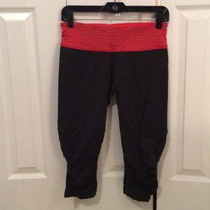 Lululemon grey&red crop leggings sz 8 56881